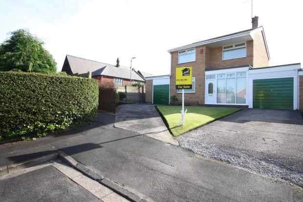 3 Bedrooms Detached House for sale in Crosby Grove, Saint Helens, Merseyside, WA10 3NP