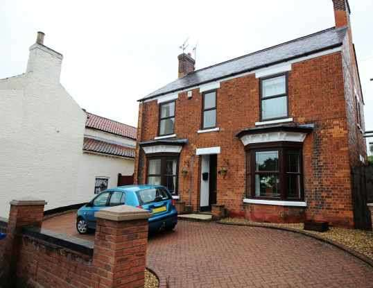 4 Bedrooms Detached House for sale in High Street, Gainsborough, Lincolnshire, DN21 3LA