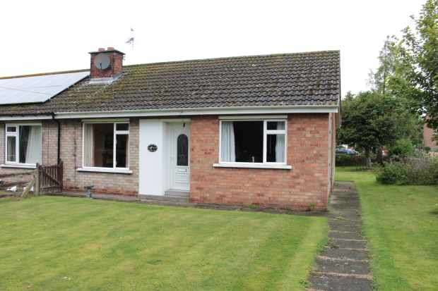 2 Bedrooms Semi Detached House for sale in Maypole Street, Hemswell, Lincolnshire, DN21 5UL