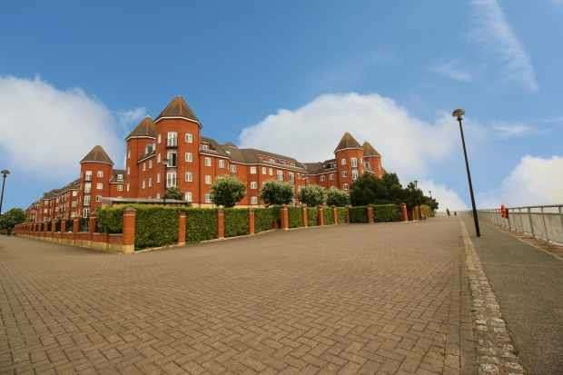 2 Bedrooms Flat for sale in Quebec Quay, Liverpool, Merseyside, L3 4ER