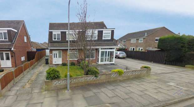 3 Bedrooms Semi Detached House for sale in Seaton Way, Southport, Merseyside, PR9 9GP