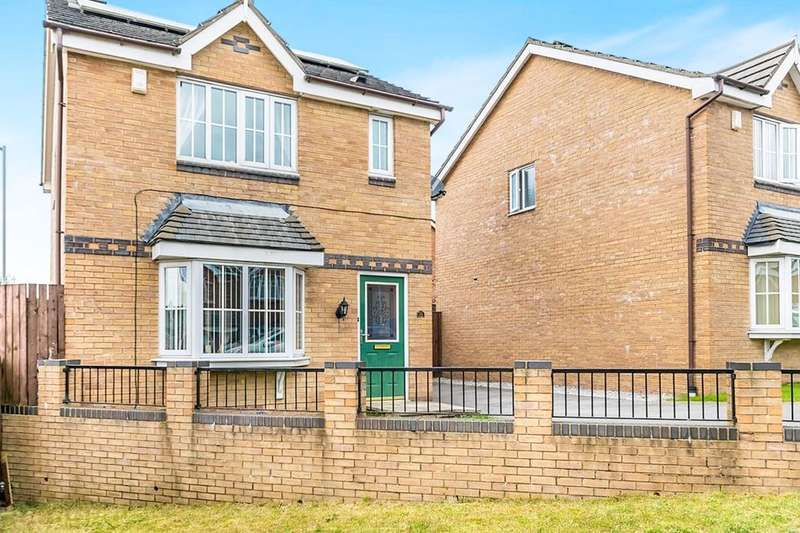 3 Bedrooms Detached House for sale in Lime Vale Way, Bradford, BD6