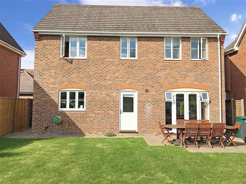 4 Bedrooms Detached House for sale in Caspian Close, Fishbourne, Chichester, West Sussex