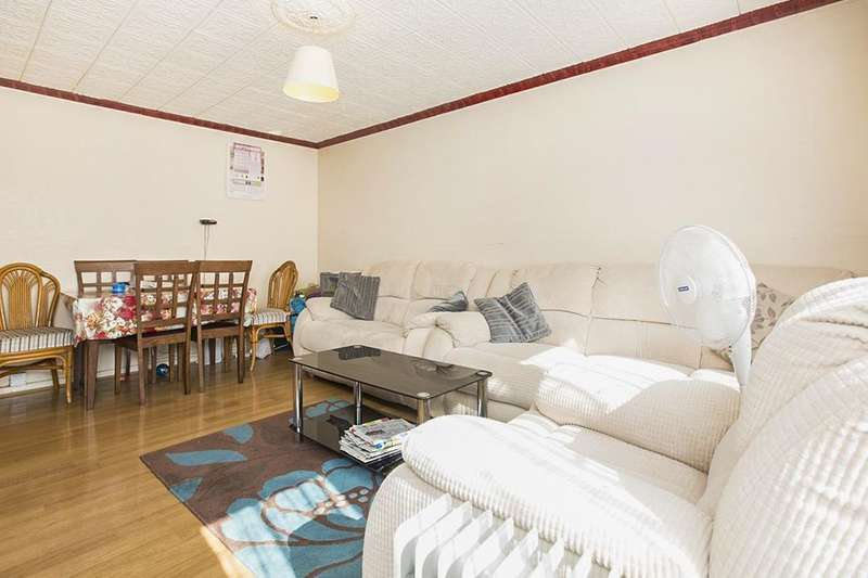 4 Bedrooms Flat for sale in Ada Gardens, London, E15