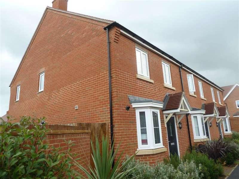 3 Bedrooms End Of Terrace House for sale in Ottley Way, Broadbridge Heath, Horsham, West Sussex