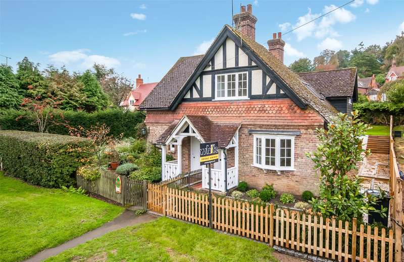 3 Bedrooms Semi Detached House for sale in Bulmer Cottages, Holmbury St. Mary, Dorking, Surrey, RH5