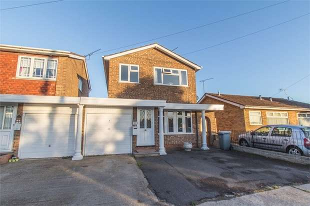 3 Bedrooms Detached House for sale in St Annes Road, CANVEY ISLAND, Essex