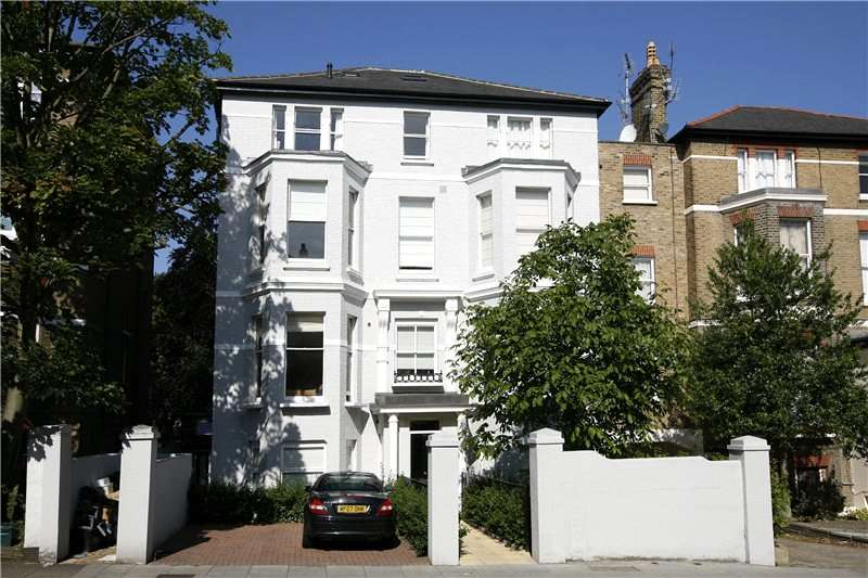 1 Bedroom Flat for sale in Church Road, Richmond Hill, TW10