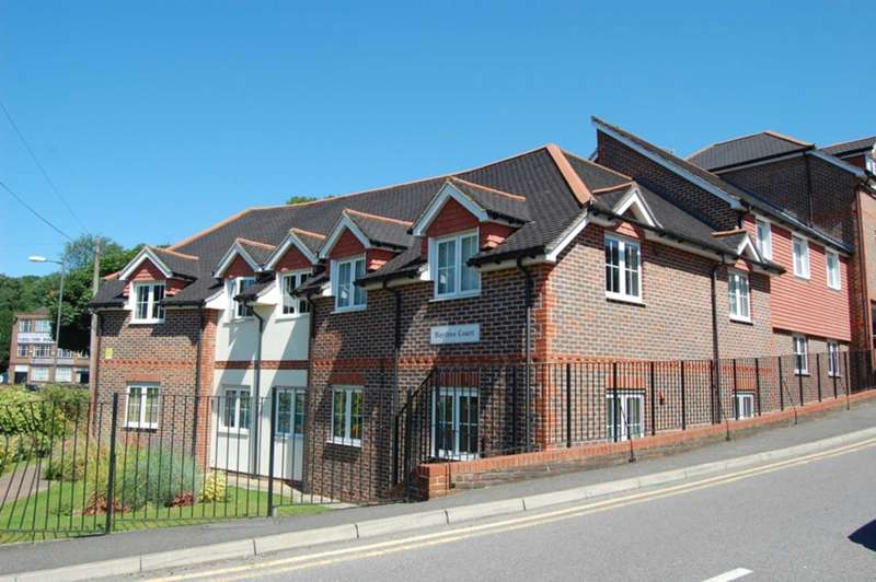 2 Bedrooms Apartment Flat for sale in Hospital Hill, Chesham HP5