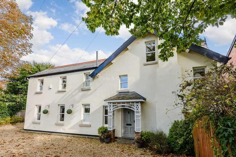 5 Bedrooms Detached House for sale in Freshfield Road, Freshfield