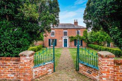 4 Bedrooms Detached House for sale in Burgh St. Peter, Beccles, Norfolk