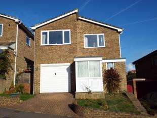 4 Bedrooms Detached House for sale in Oxenden Road, Sandgate, Folkestone, Kent