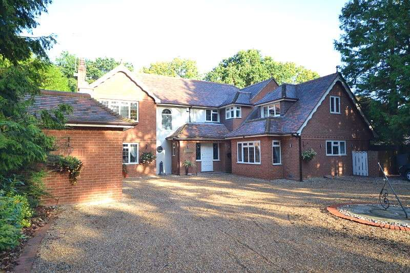 6 Bedrooms Detached House for sale in West Byfleet