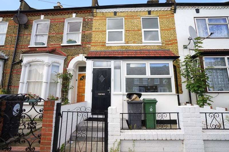 4 Bedrooms Terraced House for sale in 4 Bedroom House, London, E15