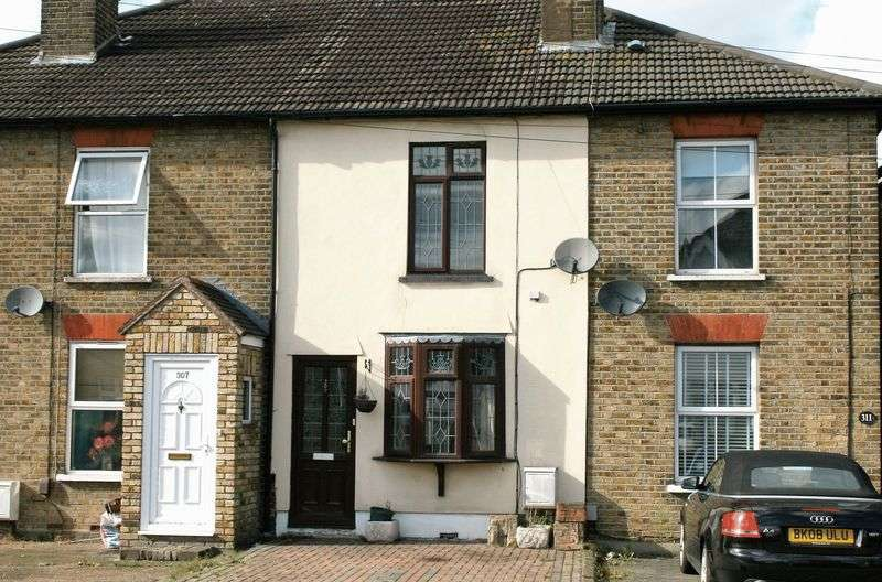 2 Bedrooms Terraced House for sale in Brentwood Road, Gidea Park, Romford