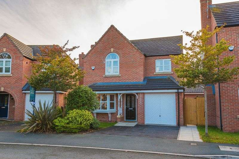 4 Bedrooms Detached House for sale in Waterfront Drive, Warrington