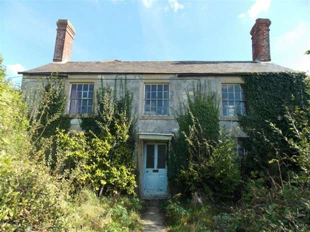 4 Bedrooms Detached House for sale in Codford Road, Chitterne, Warminster