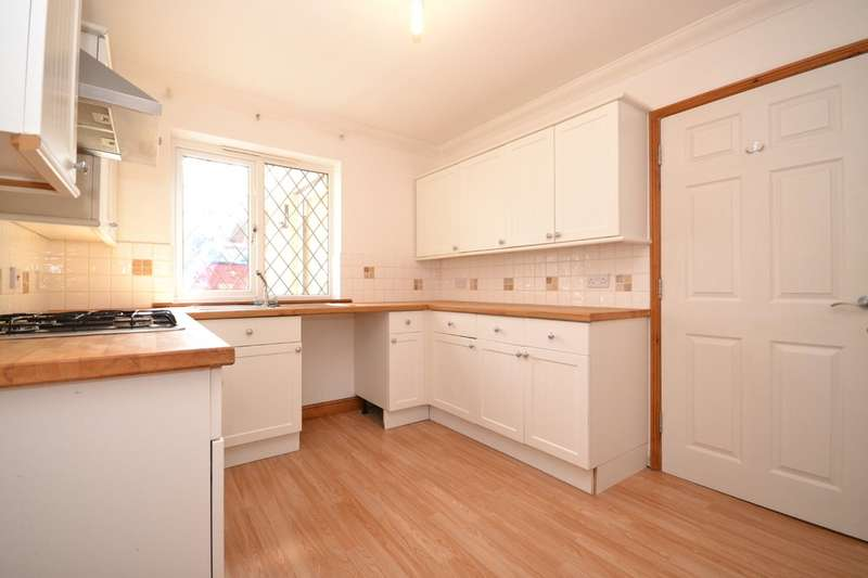 4 Bedrooms Semi Detached House for sale in Sandown, Isle Of Wight
