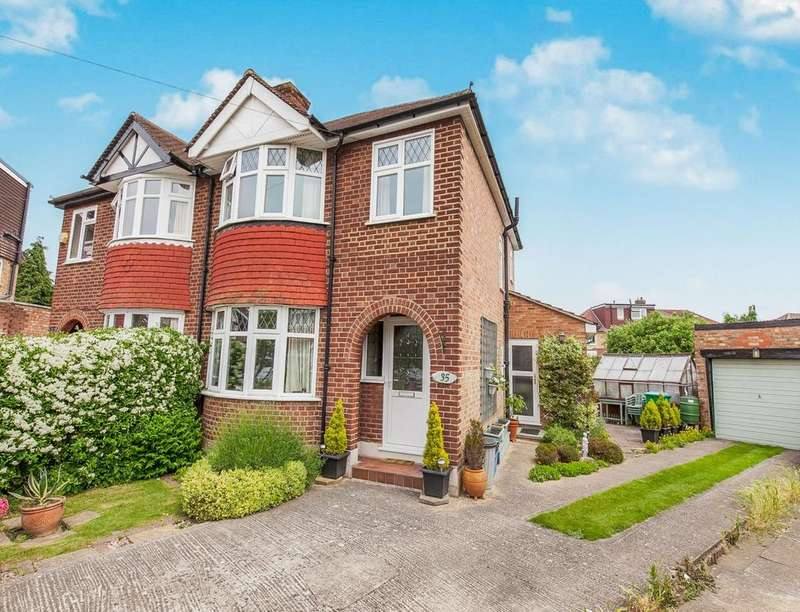 3 Bedrooms Semi Detached House for sale in Lawrence Road, Hampton, TW12