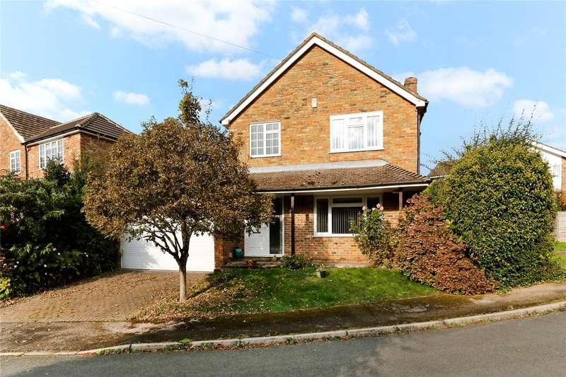 4 Bedrooms Detached House for sale in Magpie Close, Flackwell Heath, Buckinghamshire, HP10