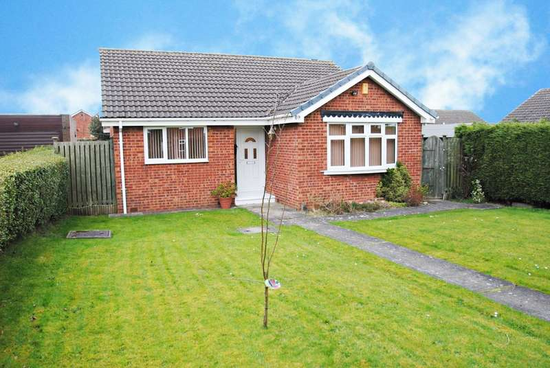3 Bedrooms Detached Bungalow for sale in Braithwell Road, Ravenfield, Rotherham