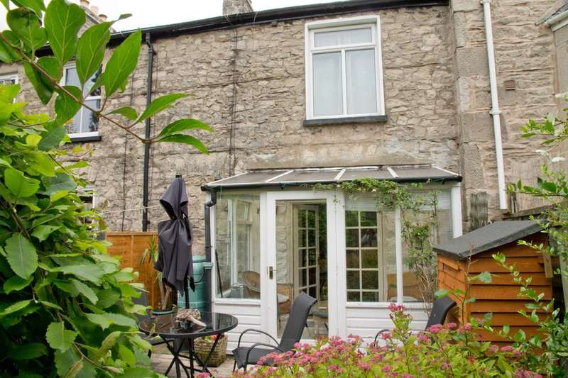 2 Bedrooms Terraced House for sale in 12 Sedbergh Road, Kendal, Cumbria LA9 6AD