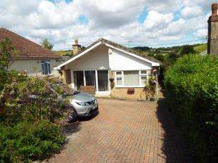 3 Bedrooms Bungalow for sale in Canterbury Road, Lydden, Dover, Kent