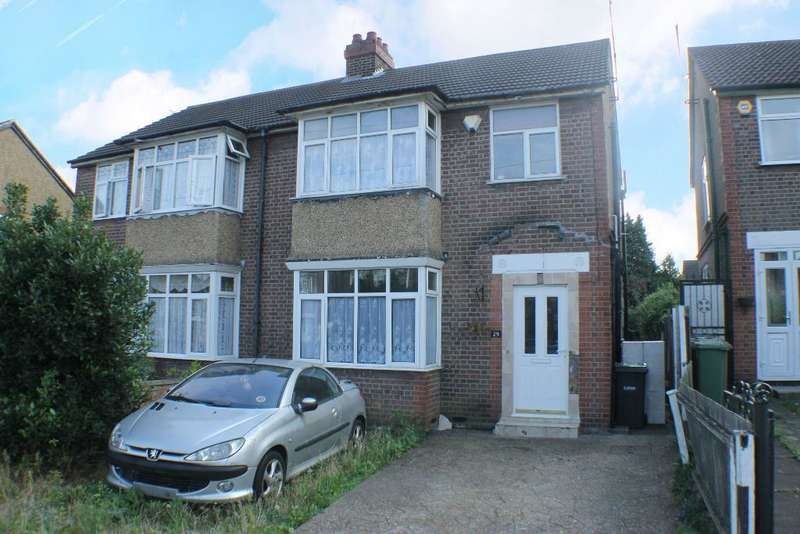 3 Bedrooms Semi Detached House for sale in St Michaels Crescent, Luton, LU3 1LZ