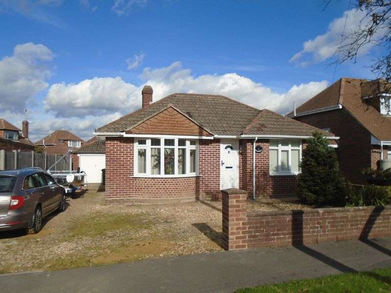 3 Bedrooms Detached Bungalow for sale in Southmead Road, Fareham