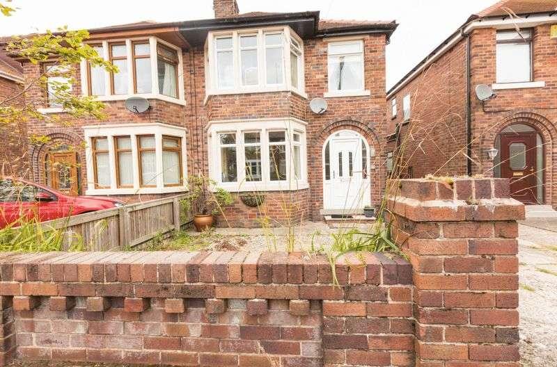 4 Bedrooms Semi Detached House for sale in Hawthorne Grove, Poulton-Le-Fylde