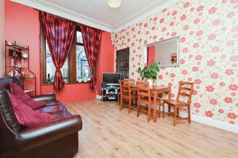 2 Bedrooms Flat for sale in 11/1 Henderson Street, Leith, Edinburgh, EH6 6BT