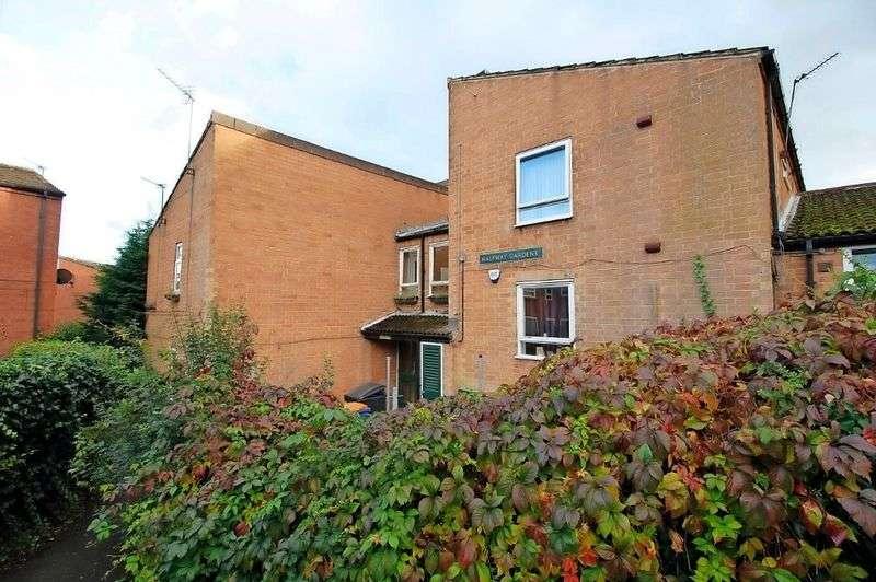 1 Bedroom Flat for sale in Halfway Gardens, Sheffield