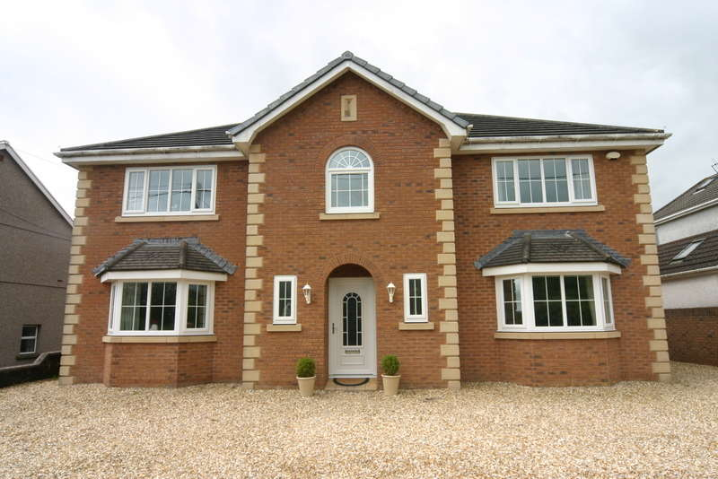 5 Bedrooms Detached House for sale in Hendy, SA4 0XF