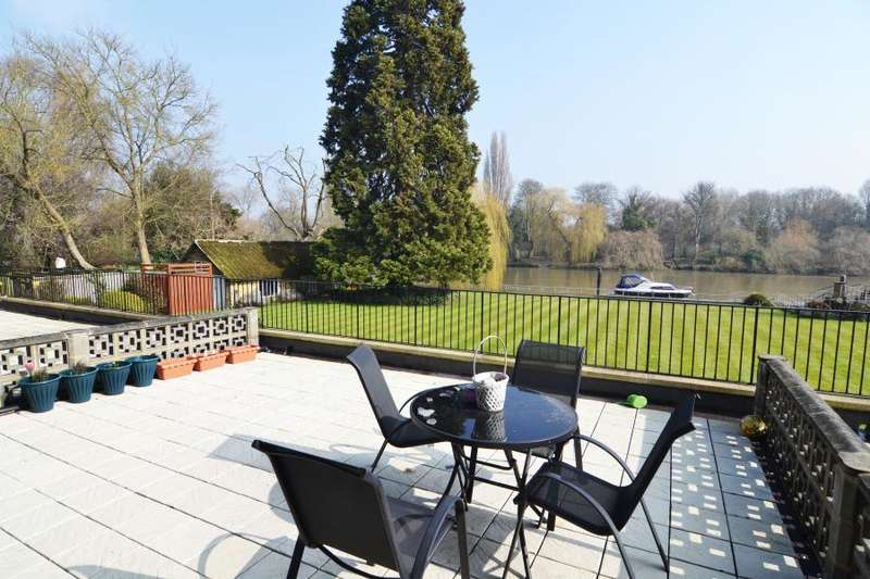 2 Bedrooms Apartment Flat for sale in Strawberry Vale, Strawberry Hill, TW1