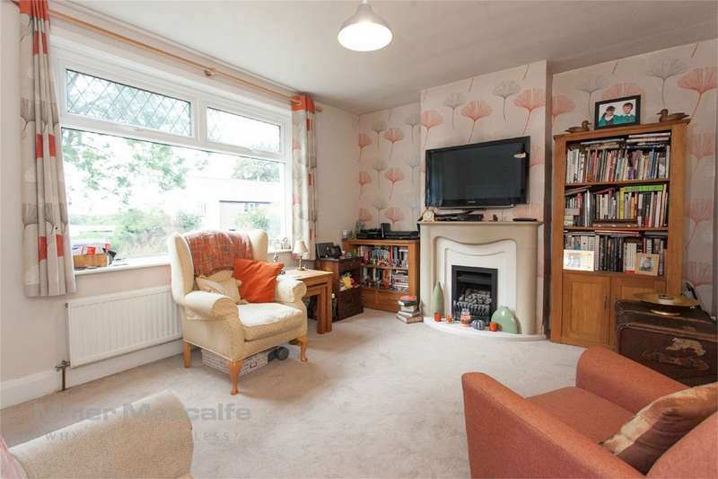 3 Bedrooms Semi Detached House for sale in Higher Barn, Horwich, Bolton, Lancashire
