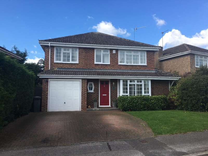4 Bedrooms Detached House for sale in Balmoral, Nr Pinkneys Green, Maidenhead, Berks
