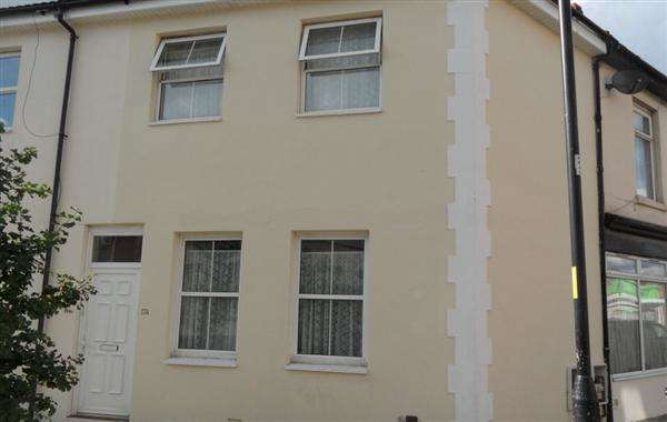 2 Bedrooms Terraced House for sale in Fawcett Road, Southsea