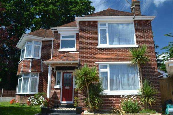 4 Bedrooms Detached House for sale in Brownlow Avenue, Southampton