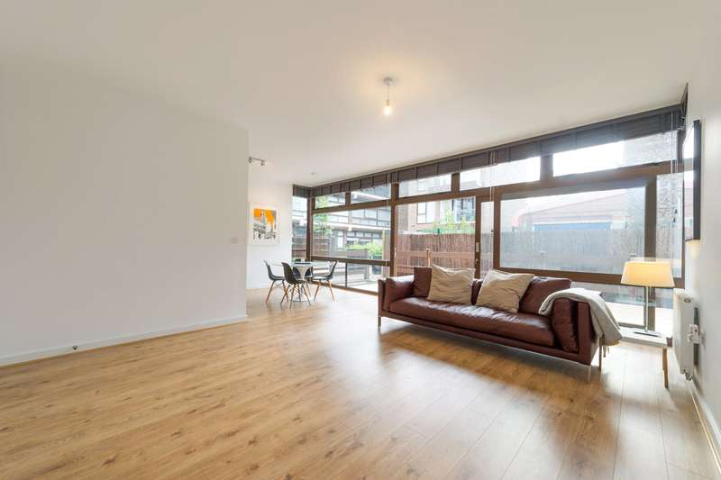 1 Bedroom Flat for sale in Cabanel Place, Kennington, London, SE11