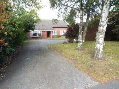 4 Bedrooms Bungalow for sale in Blythe Road, Coleshill, Birmingham, Warwickshire