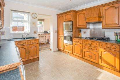 4 Bedrooms Semi Detached House for sale in Great Yarmouth, Norfolk