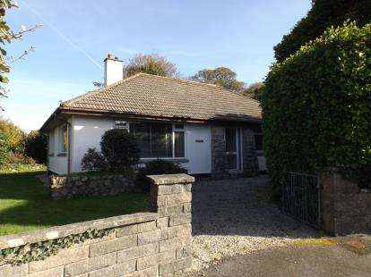 3 Bedrooms Bungalow for sale in Camborne, Cornwall