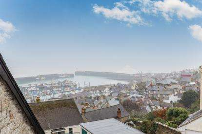 1 Bedroom Flat for sale in Chywoone Hill, Penzance, Cornwall