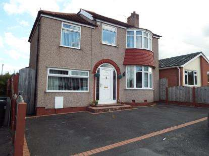 4 Bedrooms Detached House for sale in Manor Drive, Flint, Flintshire, CH6