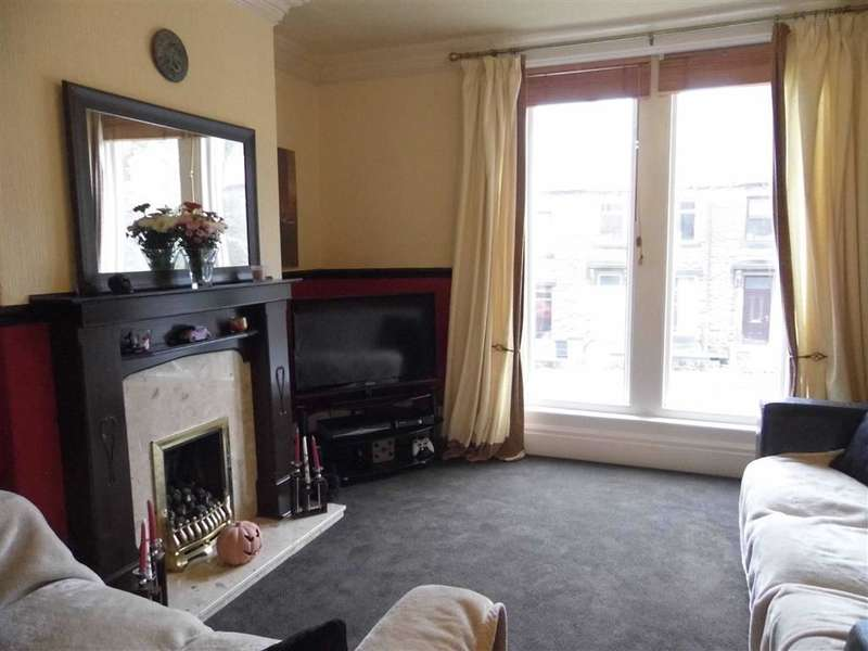 3 Bedrooms Property for sale in 156, Somerset Road, Almondbury, Huddersfield