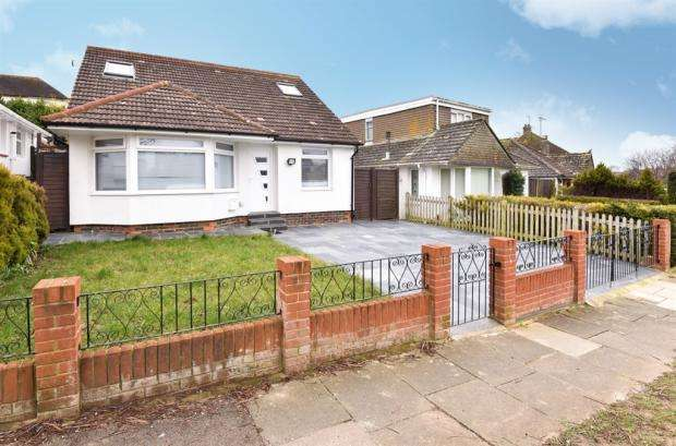 3 Bedrooms Detached House for sale in Dale View, Hove, BN3 8LB