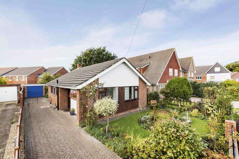 2 Bedrooms Detached Bungalow for sale in Orchard Lane, Emsworth