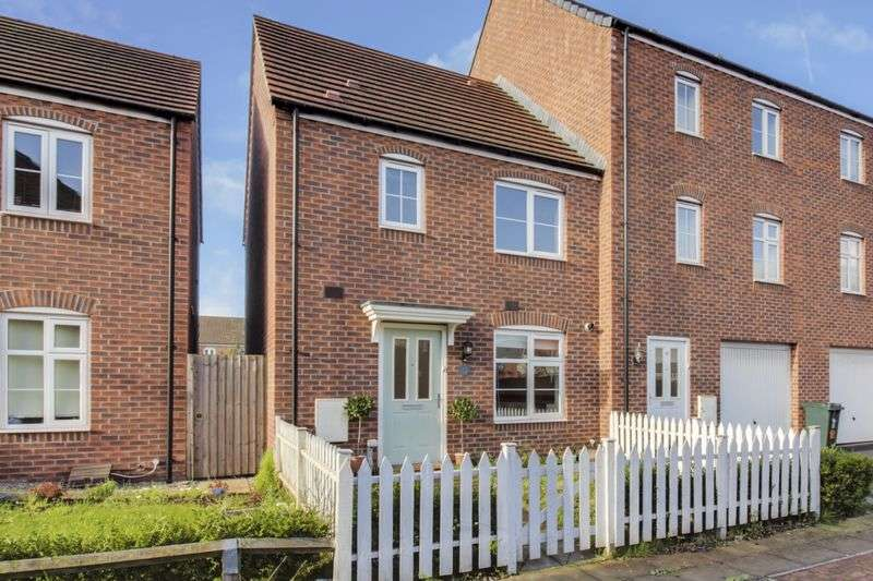 3 Bedrooms Terraced House for sale in Lysaght Avenue, Newport