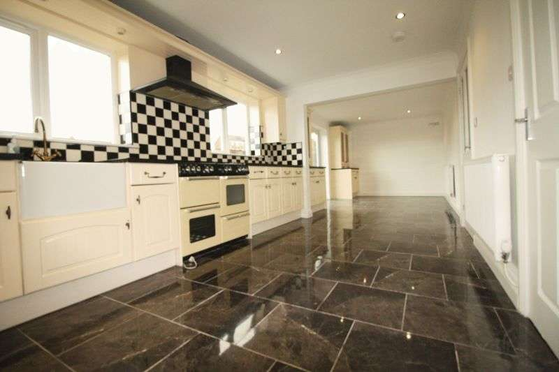 4 Bedrooms Detached House for sale in Wingate Road, Trimdon Station