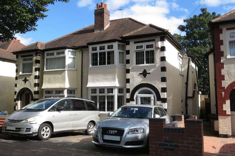 3 Bedrooms Semi Detached House for sale in Cateswell Road, Sparkhill, Birmingham B11 3DU